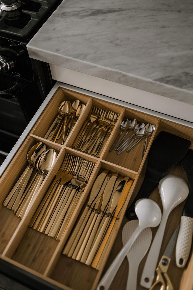 organiseren van je keukenlades