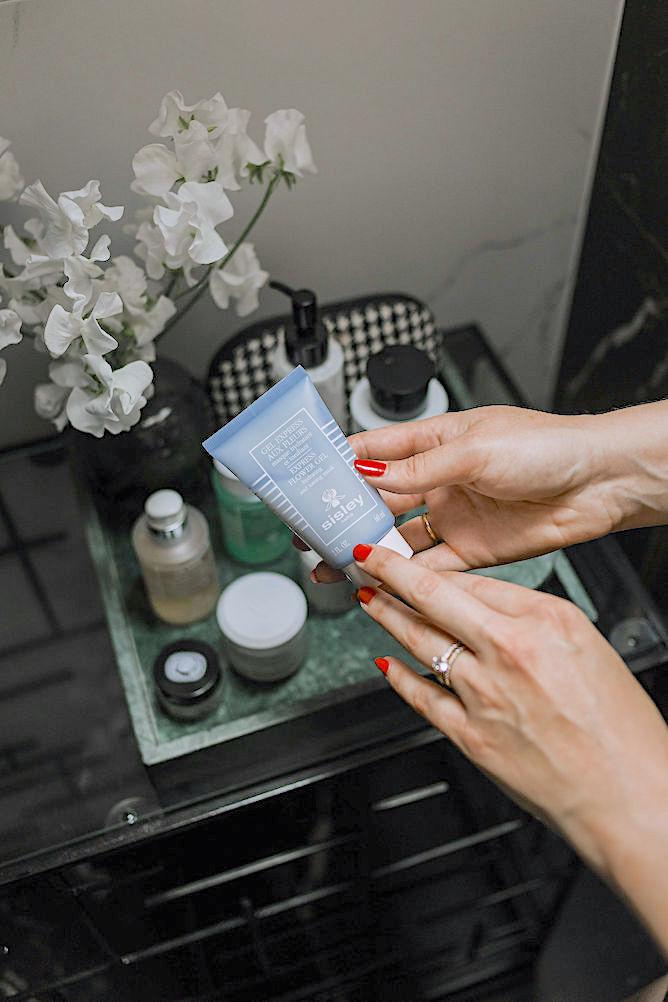 Sisley Express flower gel mask
