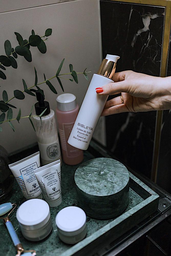 Sisleya Essential skincare lotion
